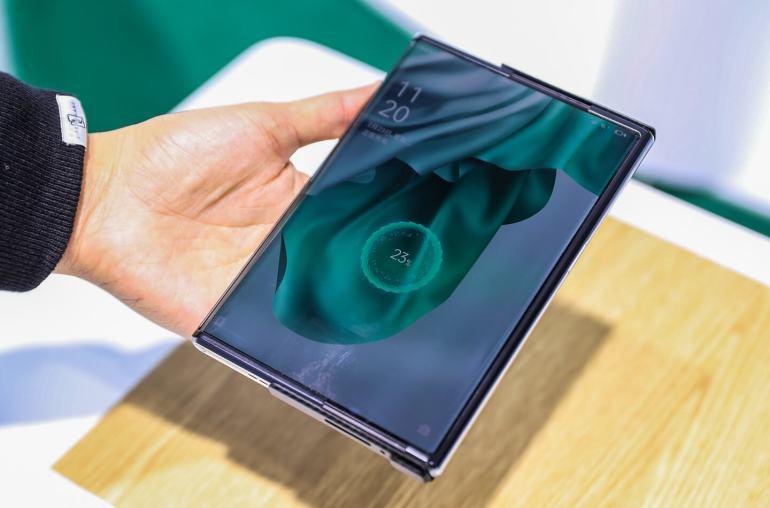 Oppo oprolbare concept smartphone