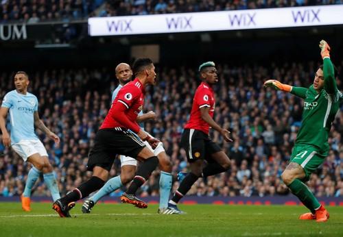 Dậy sóng Old Trafford, Pogba kiếm đường rời Man United