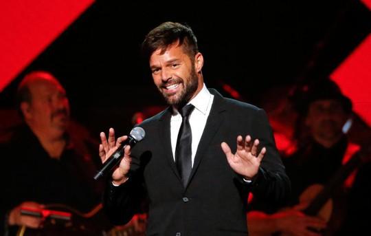 Ca sĩ Ricky Martin kết hôn nghệ sĩ Jwan Yosef - Ảnh 1.