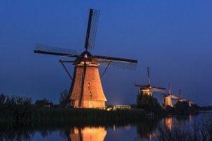 Kinderdijk, Molens, Floodlights, verlichting, belichting, mill, windmolen, UNESCO, werelderfgoed in Nederland, Nederland, Holland, city scape, blue hour, blauwe uur