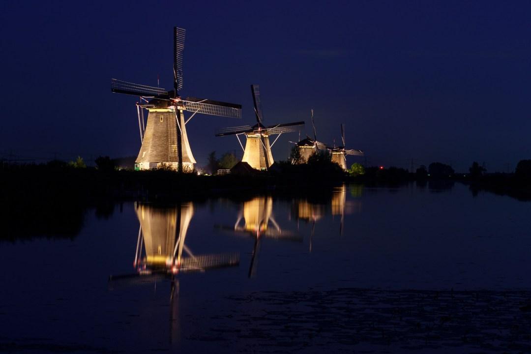 Kinderdijk avondfotografie tijdens verlichtingsweek