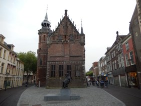 One of the oldest civil monuments in the country, the Kampen town hall (middle of the 14th century)