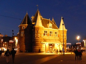 ...and finally the Amsterdam Waag (weigh house) hosted in the former Sint Antoniespoort (15th century)
