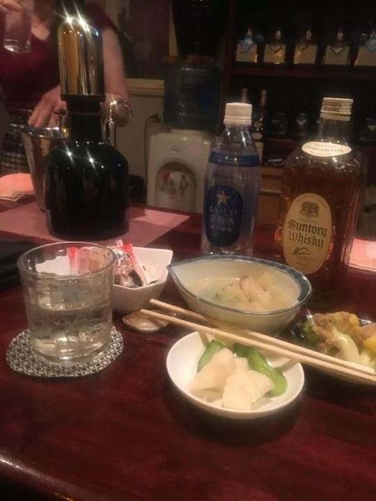 宮城からかえってきて早速自分の店のテリトリーで飲んでます♪