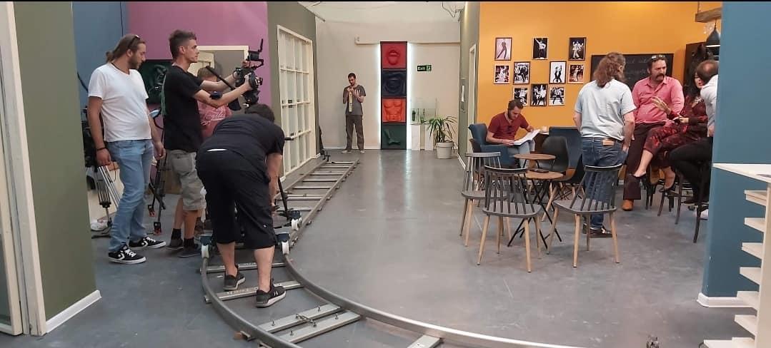 """Seriali komedi """"Shkallët"""" mbledh më të mirët e skenës"""
