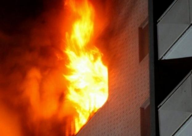 Digjen katër objekte në Tetovë, lëndohet zjarrfikësi