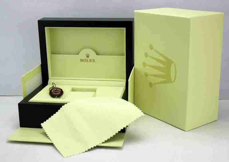 Blen orë 'Rolex' në vlerë 8 mijë franga, posta i sjell kuti boshe