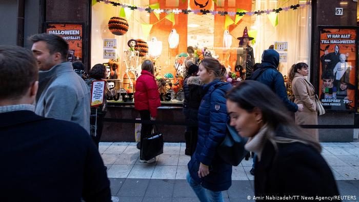 Suedia lehtëson masat për qytetarët që janë vaksinuar