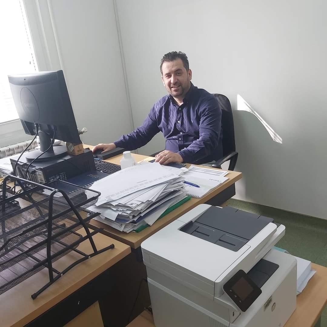 Drejtori i Klinikës së Hematologjisë Flutim Kadriu uron Festën e Bajramit