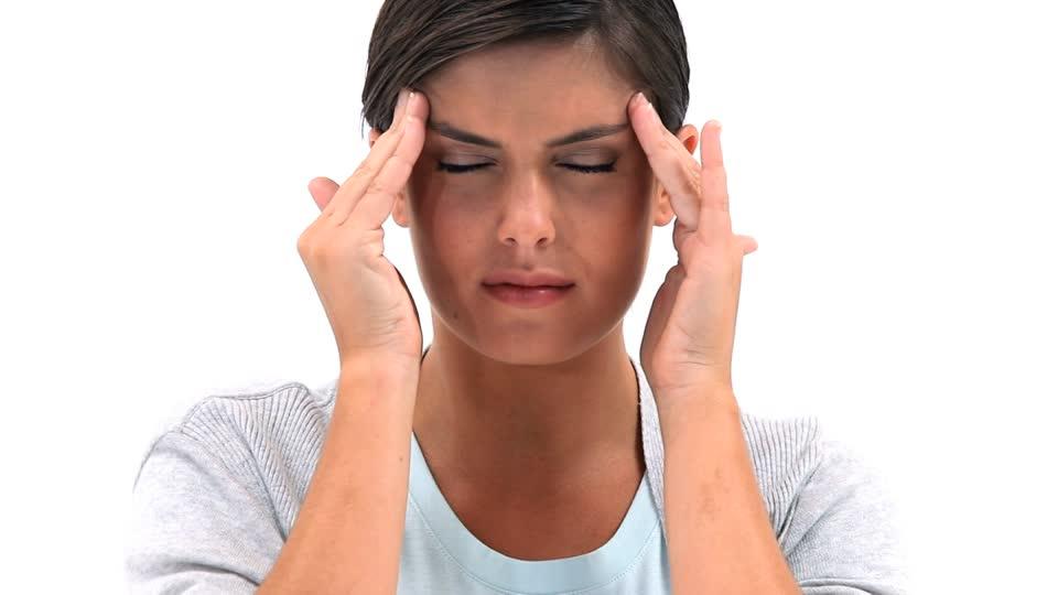 Si mund të ndihmojë dieta juaj në menaxhimin e migrenës kronike?