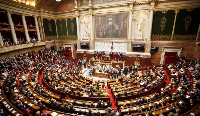 Francë, Parlamenti miraton ligjin kundër islamizmit radikal