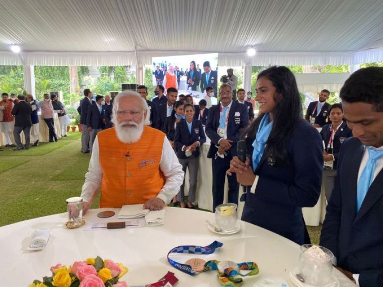 pm modi has breakfast with olympic athletes