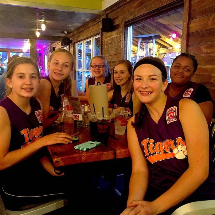 NN BURGER - Clemson Tigers Team from King William
