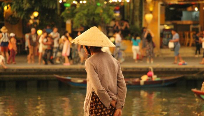 woman with rice hat in Vietnam