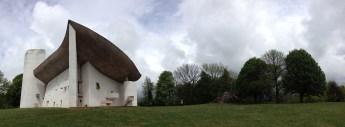 曲線が美しいロンシャンの礼拝堂の参考画像