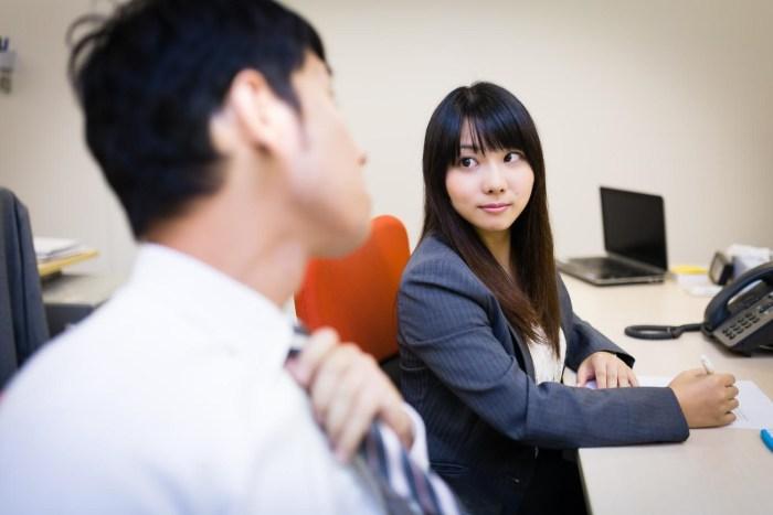 職場の同僚女性②