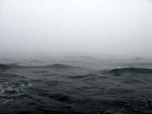 A front brings fog and high seas, again!