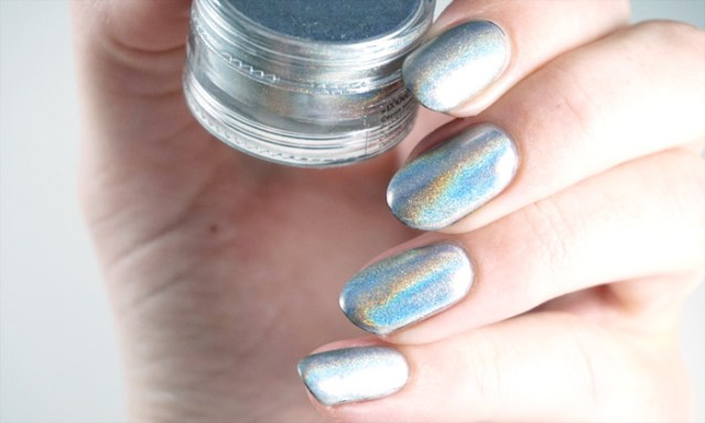 swatch of the dance legend mirage pigment in indirect light