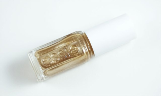 picture of the bottle of essie getting groovy