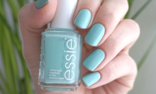 swatch of Essie blossom dandy from the spring 2015 collection