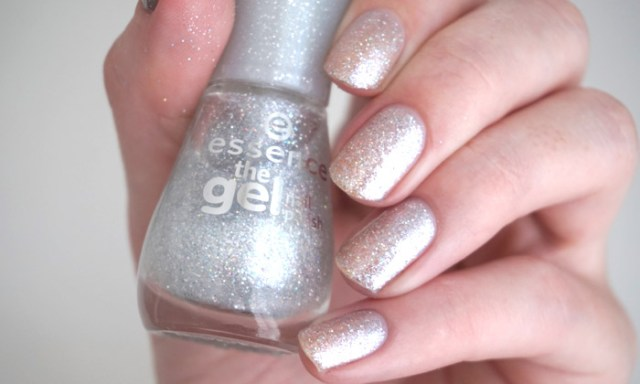 Swatch of Essence crashed the party on its own over bare nails