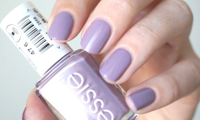 swatch of essie ciao effect