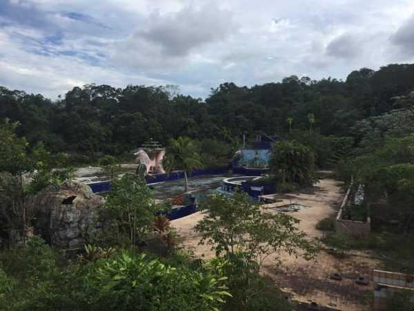 Selva Park em ruínas em Manaus Foto : Markson Jesus