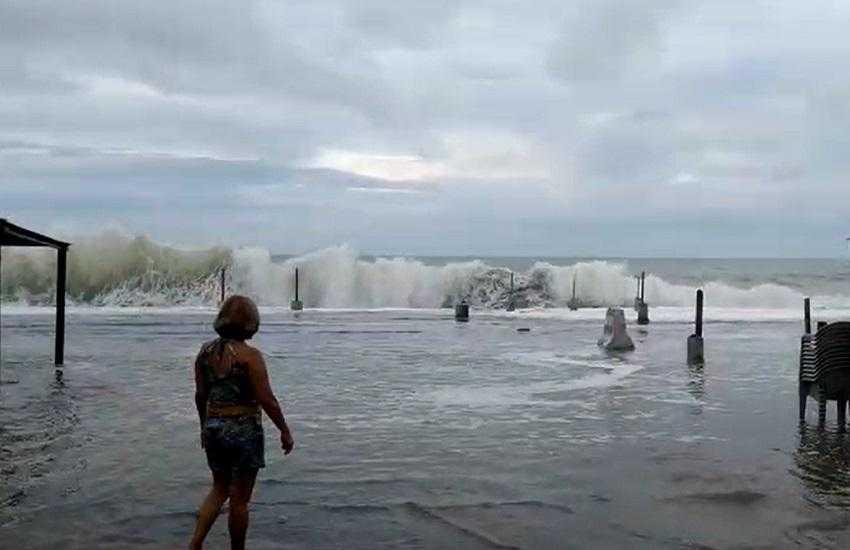 Maior ressaca do ano em Fortaleza tem previsão de ondas de até 3,8 metros nesta sexta / Divulgação