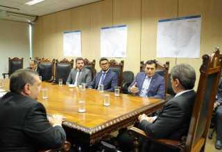 Wilson Lima e ministro da Infraestrutura acertam detalhes de viagem pela BR-319 / Foto: Diego Peres / Secom
