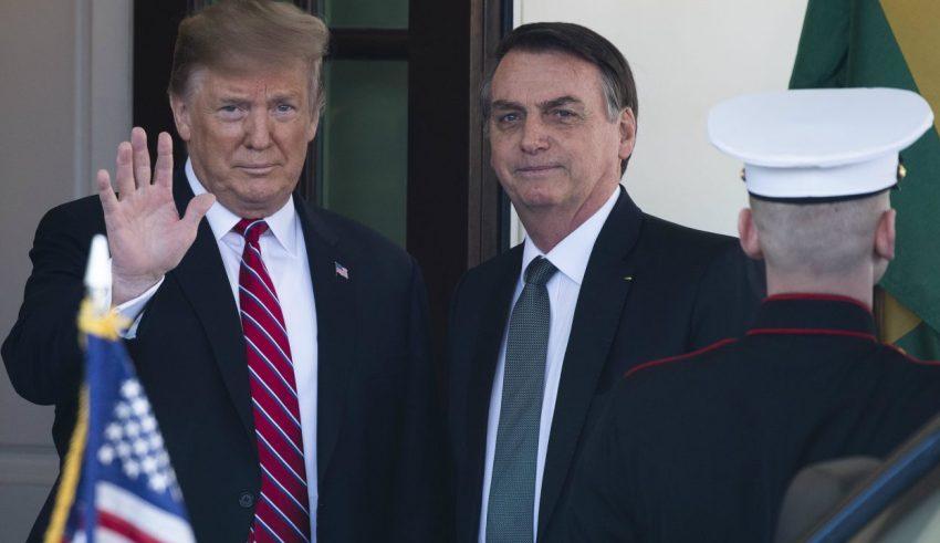 Trump receEmbaixada americana declara que EUA manterá apoio ao Brasil à OCDEbe Bolsonaro na Casa Branca e diz apoiar Brasil na OCDE - ISTOÉ Independente