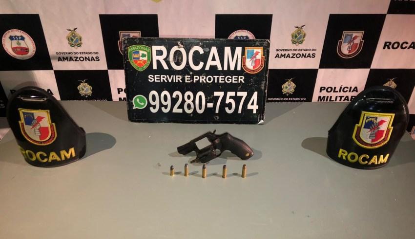 Polícia Militar, por meio da Rocam, detém suspeitos com arma e drogas no bairro Alvorada / Foto : Divulgação