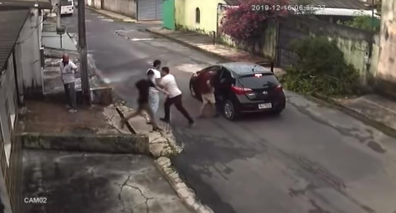 Ladrões violentos atacam homem no Lírio do Vale 2 em Manaus
