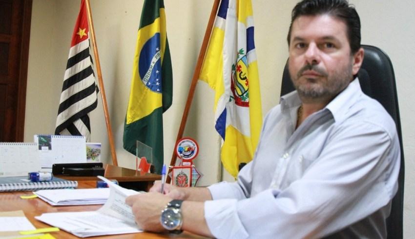 Roni Claudio Ferrareze, prefeito de Valparaíso (SP) Imagem: Reprodução/Facebook/Roni Ferrareze