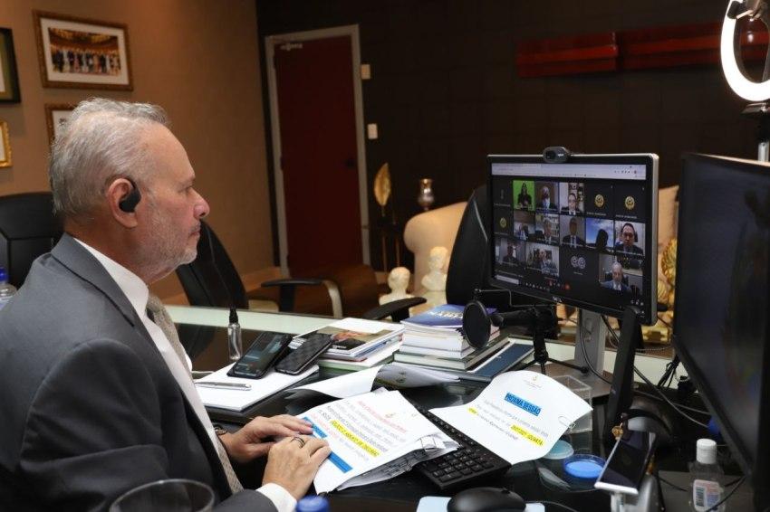 Pleno do TCE-AM julga contas irregulares e multa ex-gestores de Serviço de Água e Esgoto de Parintins / Foto : Divulgação