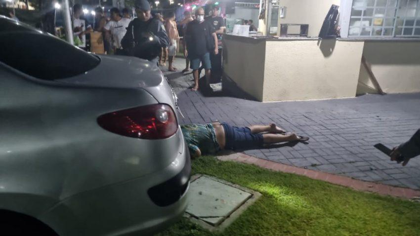 Live mostra o momento do atentado em um bar da Cachoeirinha onde criminosos efetuam mais de 20 tiros no dono do bar; VEJA O VÍDEO