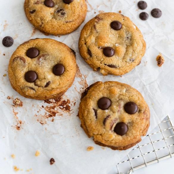 chocolate-chip-macadamia-nut-cookies
