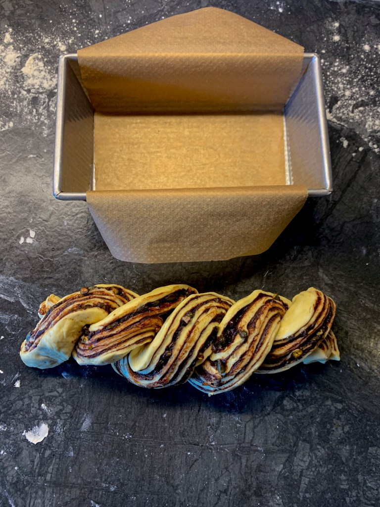 chocolate-pistachio-babka