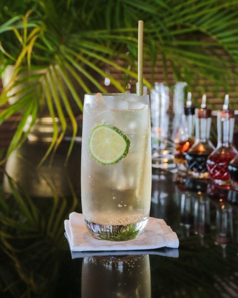 classic long drinks Cuatro Mismo