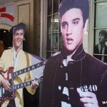 プレスリーとダブルネックギター