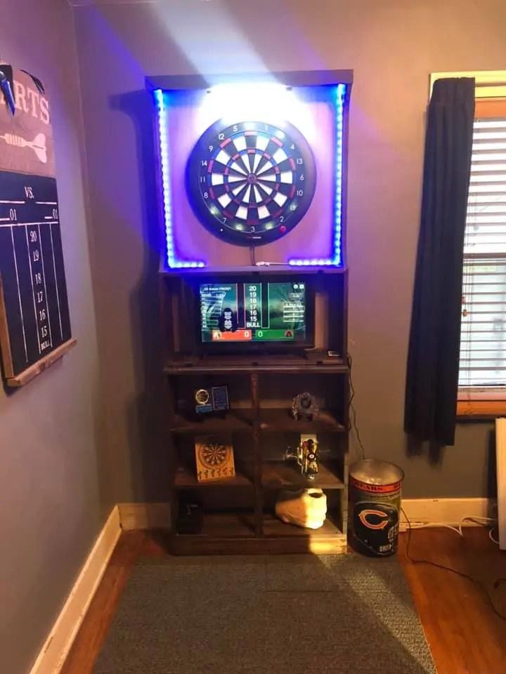 Gran Board cabinet by Larry Payne