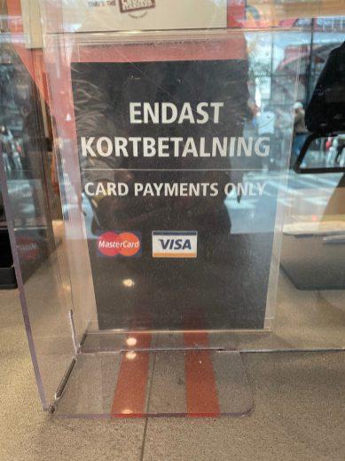 Malmö Central - Der Burgerbrater macht schon mal klar, dass wir nicht in Deutschland sind