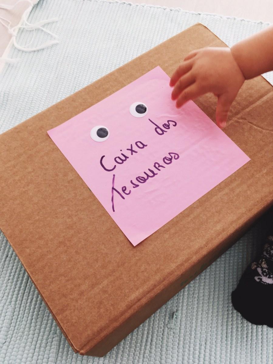 Actividades #4 - caixa dos tesouros (bebé 10 meses)