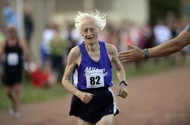Ed Whitlock, nacido en 1931 y corredor en activo