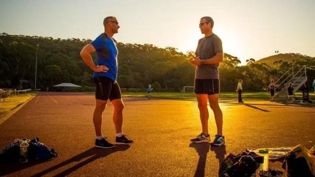 buen entrenador de atletismo
