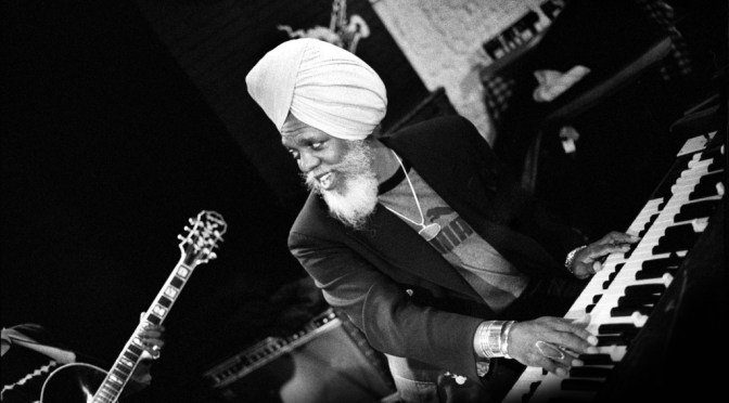 """Oldie But Goodie: """"In The Beginning"""" Octet: """"Psychedelic Pi"""" by American #Jazz Organist – Dr. Lonnie Smith #NoCritcsJustArtists"""