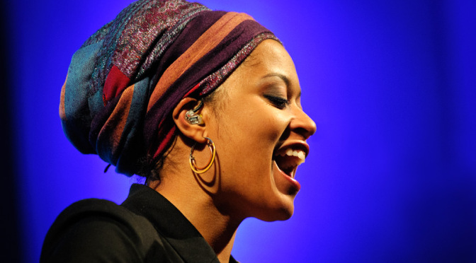 Oldie But Goodie: Cape Verde by Português Songstress~ ♫SARA TAVARES♫ #NoCriticsJustArtists