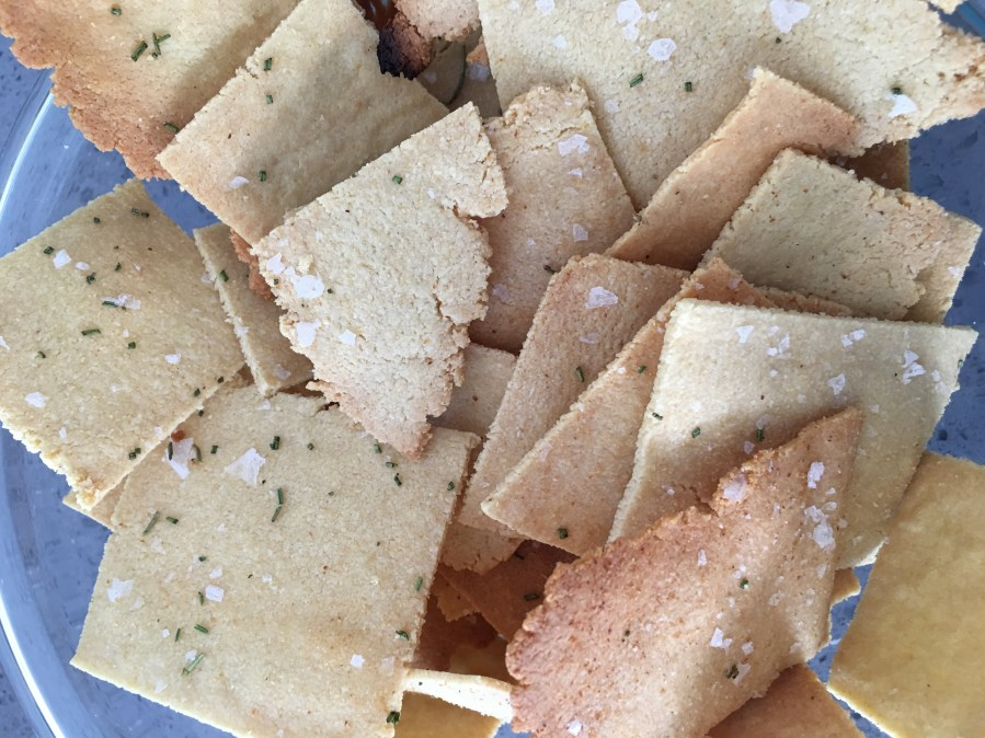 Low-Carb, Keto / Paleo, Gluten-Free Vegan Crackers (and they're good, too!)