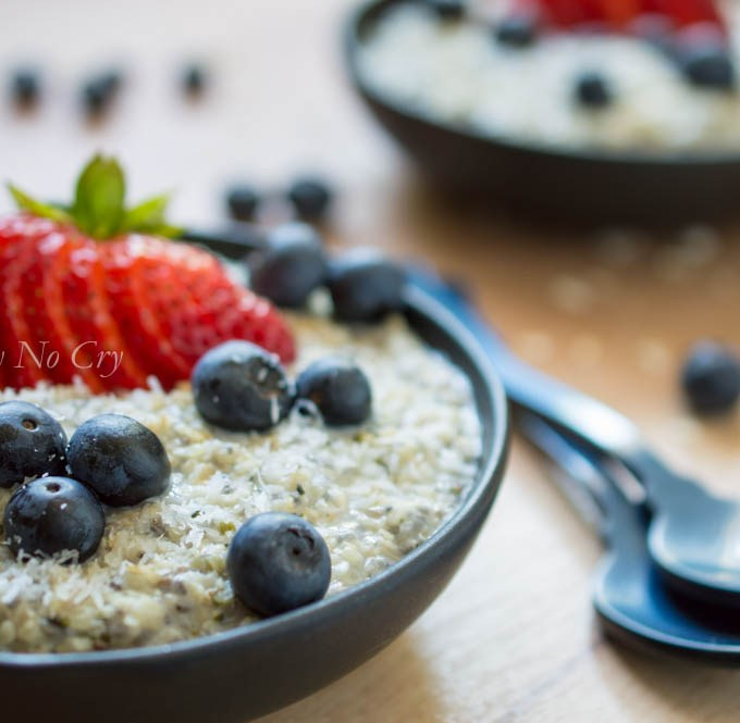 Berry Oatmeal Breakfast Bowl