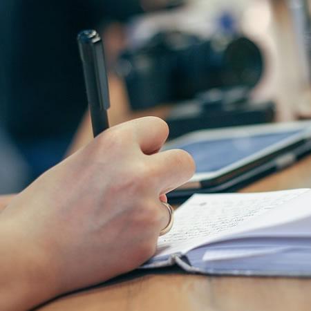 Curso Formulación, delimitación y elaboración de protocolo de tesis