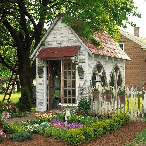 tiny garden shed